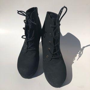 Women's Black Block Heel Boot Booties Size 7.5